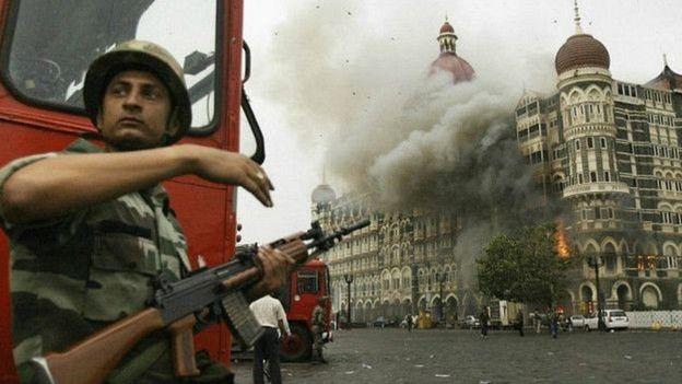 मुम्बई आक्रमण